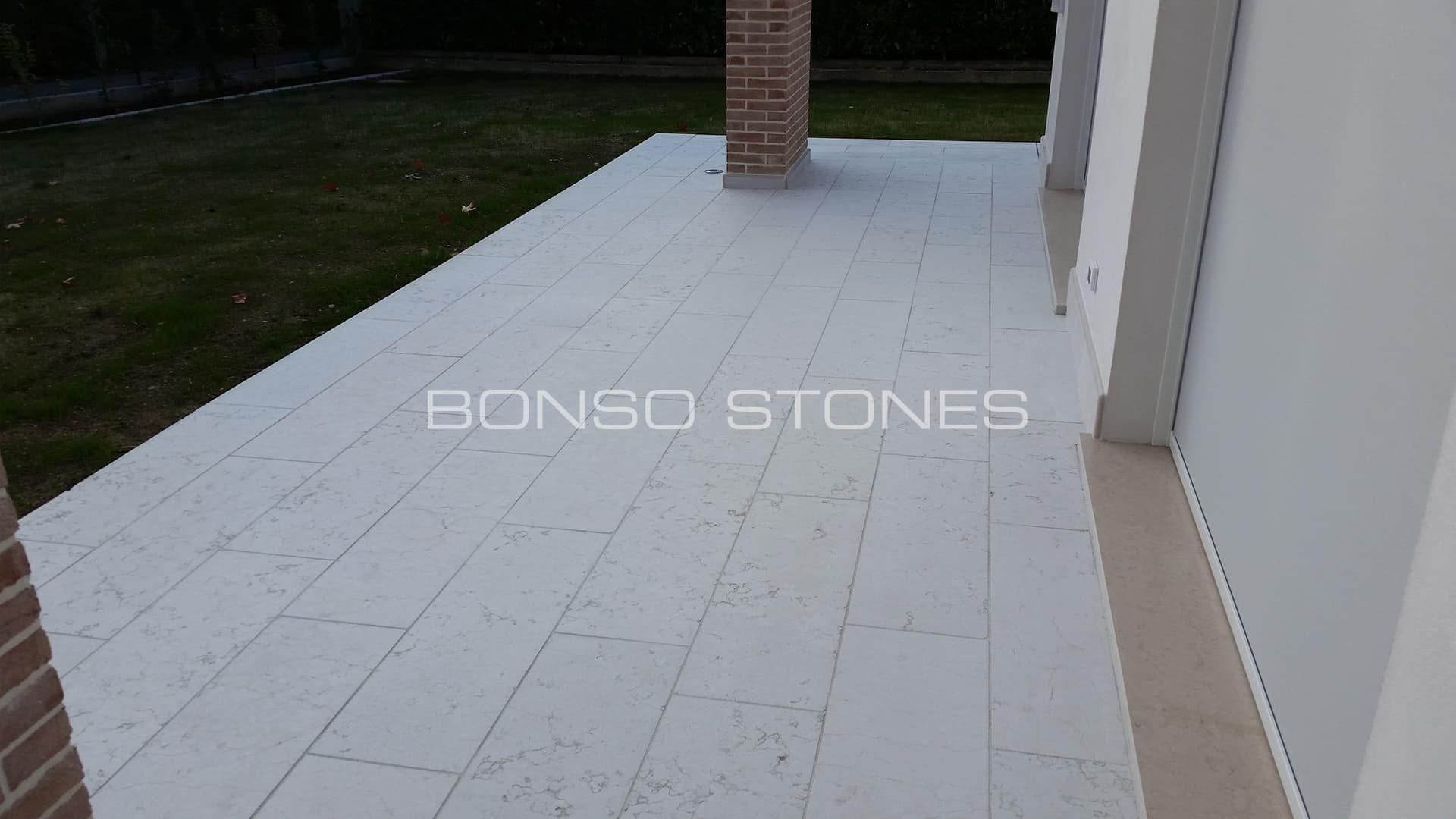 Pietre Bianca Per Interni pavimenti in pietra di carrara, d'istria, di trani, di